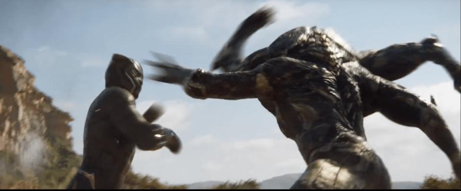 הפנתר השחור נלחם באחד מהחיילים של תנוס