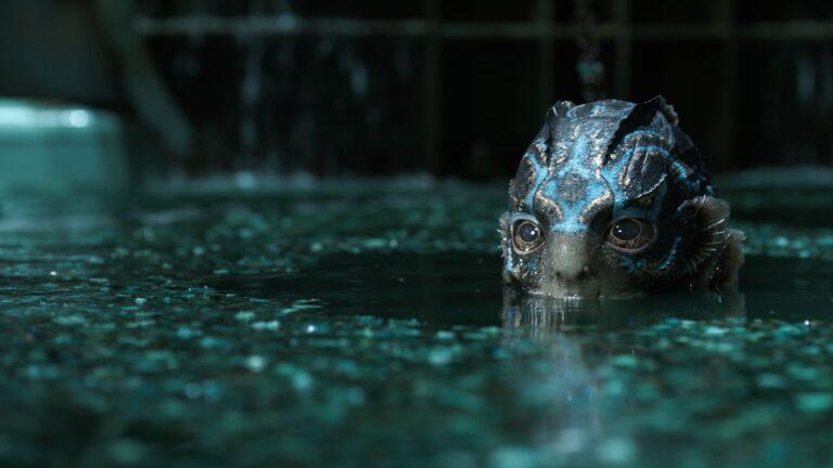 השחקן דאג ג'ונס מוכר בעיקר מתחת לתחפושות