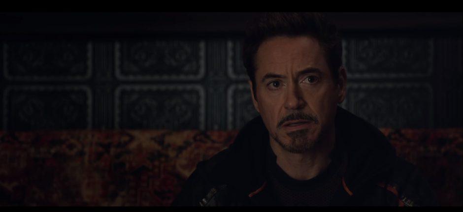טוני סטארק לומד על קיומי של תאנוס