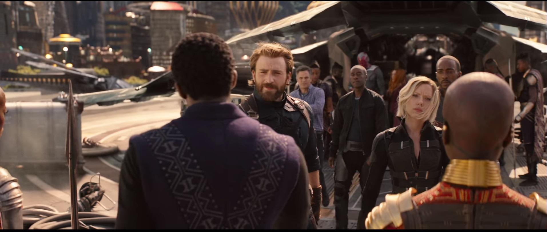 הסרט מצליח לתזז לרוב בהצלחה בין 30 גיבורים של מארוול